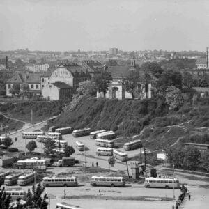 Czarno białe zdjęcie. Panorama Lublina. Okolice Wzgórza Czwartek.