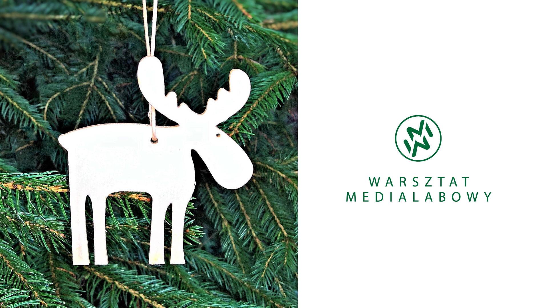 Zdjęcie przedstawia drewnianą ozdobę świąteczną.